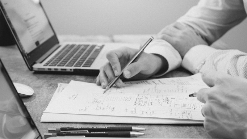 Entenda a importância de gerenciar os contratos com seus fornecedores 1