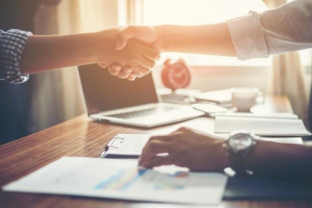 Como a satisfação do cliente no escritório de contabilidade ajuda a conquistar novos contratos? 1