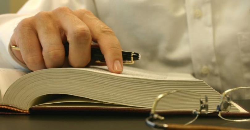 Fortes Tecnologia apresenta nesta imagem livros de contabilidade